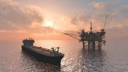 Giá dầu thế giới sụt khoảng 5% trong phiên 6/3