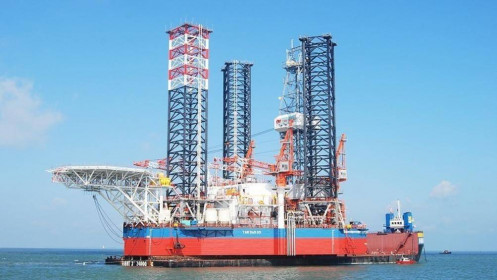 Giá dầu 'lao dốc', PVN lo ngại kịch bản xấu nhất là đóng cửa mỏ