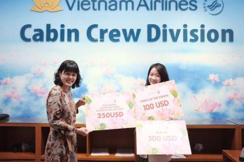 Nữ tiếp viên hàng không thử nghiệm thuốc điều trị SARS-CoV-2
