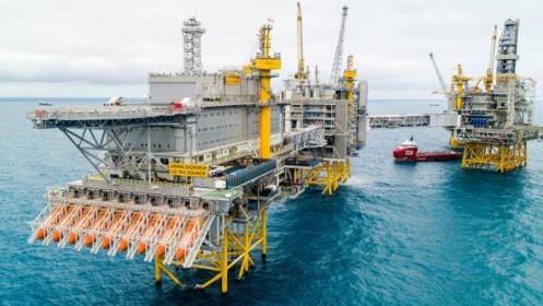 Giá dầu thô tăng, kinh tế thế giới ghi nhận hàng loạt tin tích cực