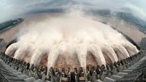Lũ lụt kinh hoàng và động đất tàn phá nơi xinh đẹp nhất Trung quốc ở thượng lưu đập Tam Hiệp