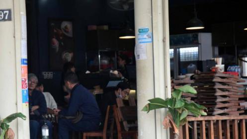 Một số quán ăn, quán cafe tại Hà Nội vẫn mở cửa bất chấp lệnh cấm