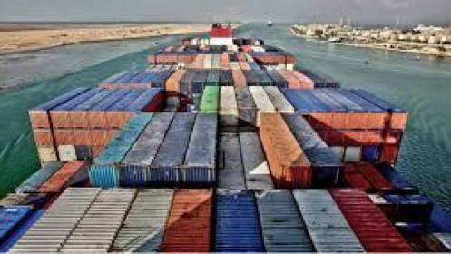 Tàu EVER GIVEN to như thế nào mà khiến kênh đạo Suez bị mắc kẹt