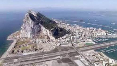 Chờ xem hiệu quả vắc xin covid-19 từ đảo quốc Gibraltar