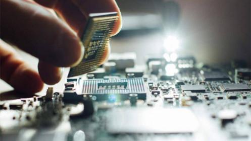 Cuộc khủng hoảng chip toàn cầu qua góc nhìn từ con chip giá 1 USD