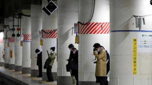 Nhật Bản tuyên bố tình trạng khẩn cấp do Covid-19, hủy bỏ rước đuốc ở Osaka