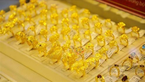 Giá vàng trong nước giảm nhẹ, vàng thế giới tăng