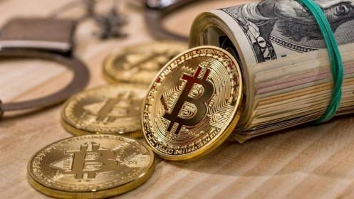 Bloomberg: 'Bong bóng Bitcoin' bắt đầu sụp đổ