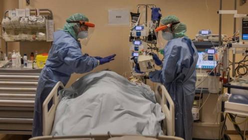 Italytiêm vaccine ngừa Covid-19 cho nửa dân số, một số người Mỹ bị viêm cơ tim sau tiêm
