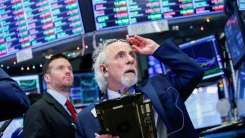 Dow Jones leo lên kỷ lục mới sau báo cáo việc làm tích cực