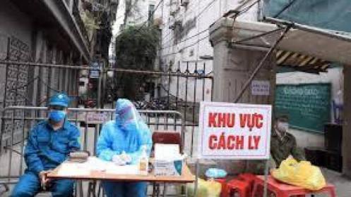 Tối 8/8 Hà Nội thêm 13 ca mới. Chỉ một ngày bị sốt, người phụ nữ phát hiện dương tính SARS-CoV-2