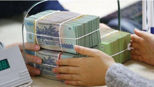 """Lượng tiền """"khủng"""" hơn 100.000 tỷ được bơm ra thị trường trong tháng 8/2021"""