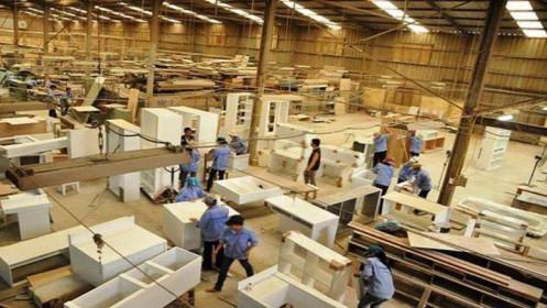 """Tới tấp đơn hàng xuất khẩu nhưng doanh nghiệp đồ gỗ """"bó tay"""" do thiếu lao động"""