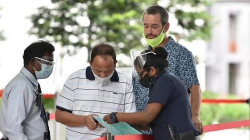 Không đeo khẩu trang, một người Anh bị Singapore giam, trục xuất