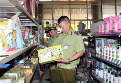 3 cửa hàng kinh doanh bị phát hiện bán sản phẩm in đường lưỡi bò