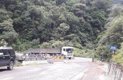 Hà Tĩnh đề xuất mở rộng Quốc lộ 8 khu vực cửa khẩu quốc tế Cầu Treo