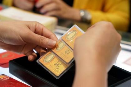 Giá vàng ngày 26/11: Giá vàng đi xuống khi chứng khoán Phố Wall lập kỷ lục mới