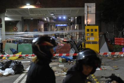 Cảnh sát rút khỏi Đại học Bách khoa Hồng Kông