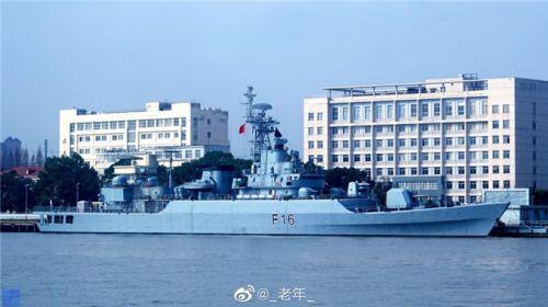 """Vươn """"vòi bạch tuộc"""", Trung Quốc bán tàu chiến """"hết đát"""" giá rẻ cho Bangladesh"""
