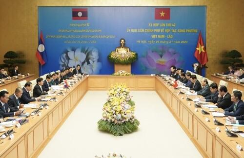 Việt Nam-Lào phấn đấu tăng ít nhất 10-15% kim ngạch thương mại năm 2020