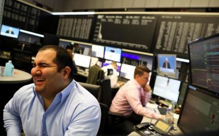 Tuần qua, khối ngoại mua ròng đột biến gần 1.025 tỷ đồng, thanh khoản tăng vọt