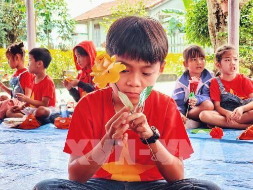 Làng hoa giấy Thanh Tiên: Tô điểm mùa Xuân xứ Huế