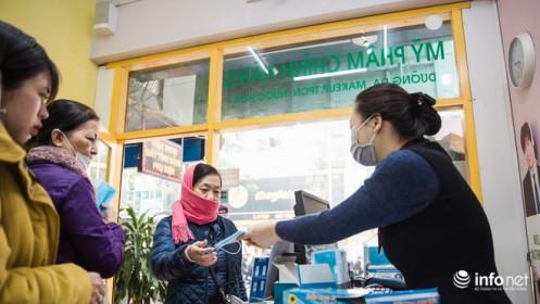 Dịch Corona hoành hành, Hà Nội phát miễn phí khẩu trang cho người dân