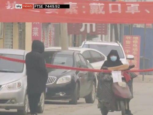Vũ Hán bị cách ly: Người dân mệt mỏi, bệnh viện quá tải, lương thực cạn kiệt