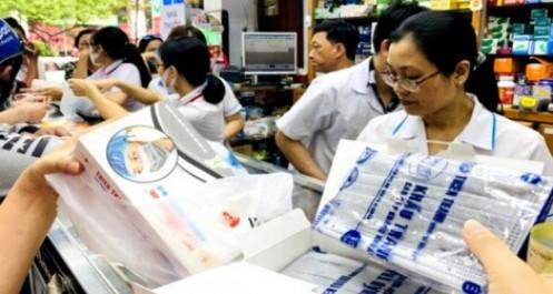 Vietnam Post tạm dừng nhận vận chuyển khẩu trang y tế, nước sát trùng ra nước ngoài