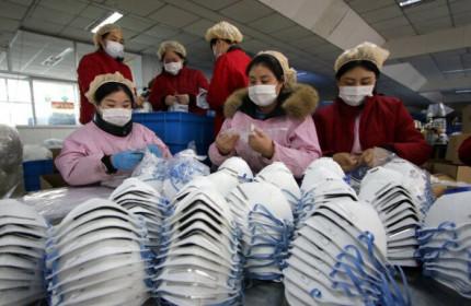 Nguyên liệu sản xuất khẩu trang của Việt Nam đang phụ thuộc vào Trung Quốc