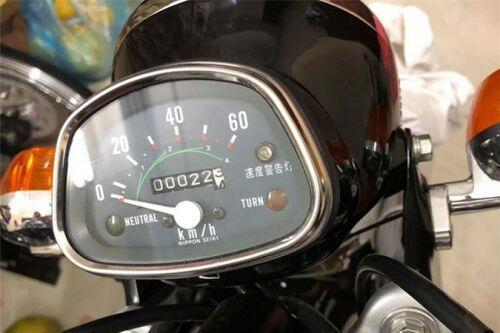 """Honda CD50 Benly """"thét giá"""" hơn 800 triệu đồng tại Hà Nội"""