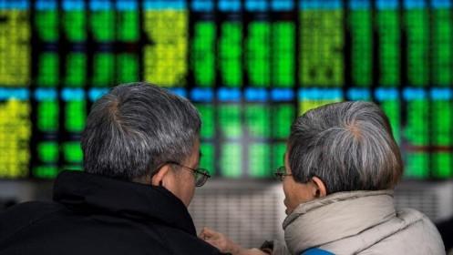 Chứng khoán Trung Quốc bị bán tháo, giảm gần hết biên độ cho phép ngày khai Xuân