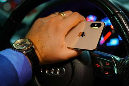 iOS mới biến iPhone thành chìa khoá ôtô