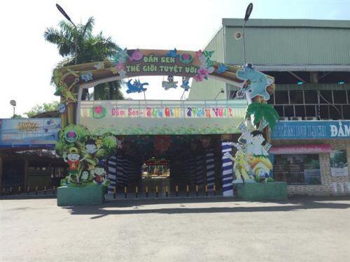 Người Sài Gòn ngại dịch Corona: Thành phố 'buồn' với quán ế; phố đi bộ, mua sắm vắng