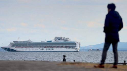 Các nước từ chối đón tàu 2.000 người sắp cạn nhiên liệu