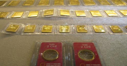 Giá vàng SJC đi ngang, mở rộng khoảng cách với vàng thế giới