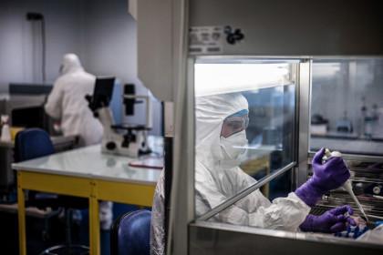 Ca tử vong vì dịch bệnh COVID-19 đầu tiên ở châu Âu
