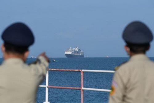 Malaysia cấm nhập cảnh người rời du thuyền ở Campuchia sau khi có ca nhiễm đầu tiên