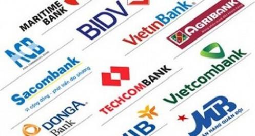 Ngân hàng lãi lớn nhờ nợ xấu thấp kỷ lục, thu dịch vụ tăng mạnh
