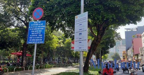 Sau gần 1 năm, việc thu phí ô tô đỗ lòng đường ở TP.HCM lộ nhiều bất cập