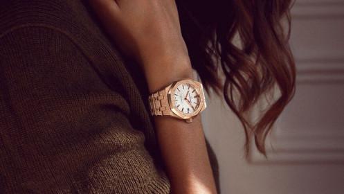 Thương hiệu đồng hồ Audemars Piguet ra mắt phiên bản Royal Oak Frosted Gold giá trên dưới 1 tỷ đồng