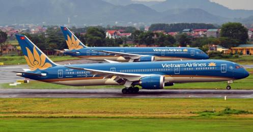 """Vietnam Airlines giảm """"sốc"""" lương lãnh đạo, 40% máy bay phải """"đắp chiếu"""""""