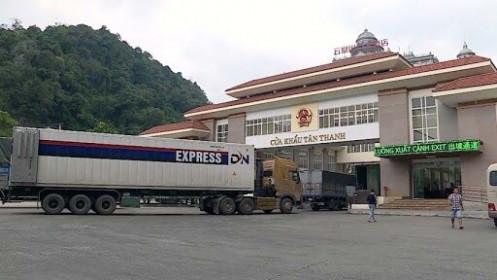 Tồn 883 xe và 2 toa tàu ở các cửa khẩu biên giới Việt - Trung