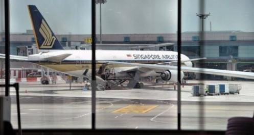 Chính phủ các nước ra sức cứu trợ ngành hàng không thời Covid-19
