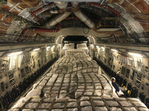 Mỹ chuyển 500.000 thiết bị xét nghiệm Covid-19 từ Italia về nước