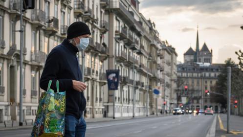 Số ca nhiễm COVID-19 tại Thụy Sĩ tăng hơn 25% chỉ trong 24 giờ