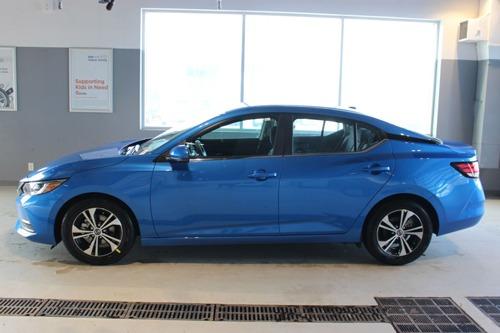 Sedan đẹp long lanh, 'so kè' với Honda Civic, Mazda 3