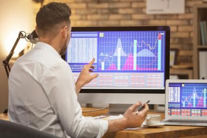 Xả mạnh cổ phiếu bluechips, khối ngoại bán ròng tới hơn 3.370 tỷ đồng trong tuần qua