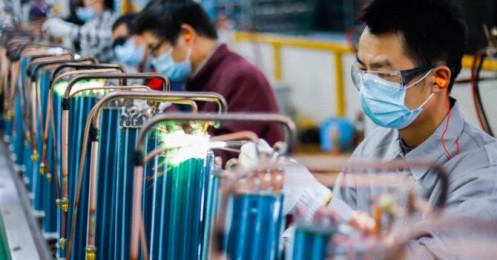 Doanh nghiệp Trung Quốc sản xuất trở lại nhưng không bán được hàng ra nước ngoài