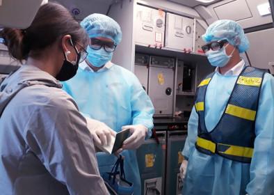 Hành khách ngồi cùng chuyến bay bị nhiễm dịch Covid-19 được bảo hiểm hỗ trợ thế nào?